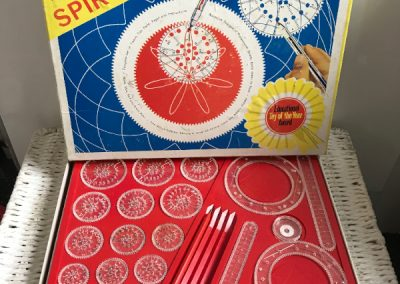 69 Retro Spirograph